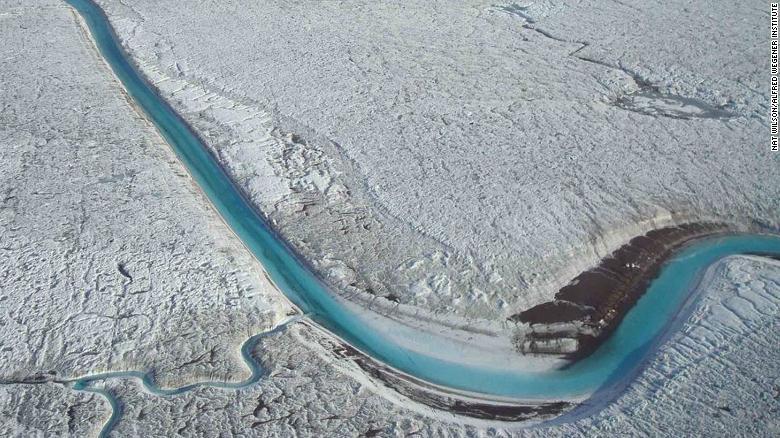 glaciers melting in the Antarctica - Photo credit British Antarctic Survey